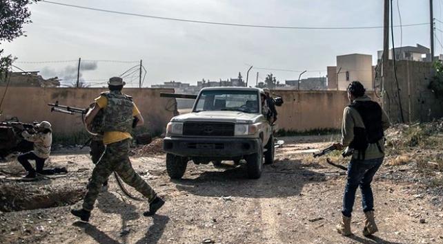 Libya ordusu darbeci Haftere göz açtırmıyor