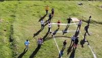 Kısıtlamaya aldırmayarak piknik yapanlar drone'dan kaçtı