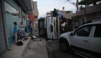 Adana'da servis araçları çarpıştı: 12 yaralı