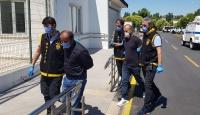 Adana'da evdeki ziynet eşyası bulunan çelik kasayı çaldıkları iddiasıyla 4 zanlı tutuklandı