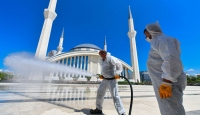 Ankara'da camilerde tek kullanımlık seccade ve maske dağıtılacak