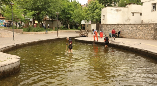 Diyarbakır'da tarihi Anzele suyu temizlendi