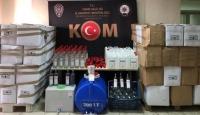 İzmir'de bin 798 litre kaçak etil alkol ele geçirildi