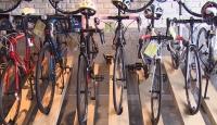 Toplu taşımadan kaçanlar bisikletçilerin yolunu tuttu
