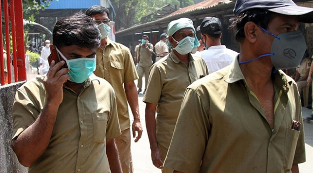 Hindistanda koronavirüs kısıtlamaları hafifletiliyor
