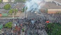 Minneapolis'te göstericilere biber gazı