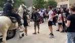 ABDde atlı polis göstericiyi ezdi