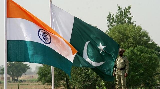 Pakistandan, Hindistanın istenmeyen adam ilanına kınama