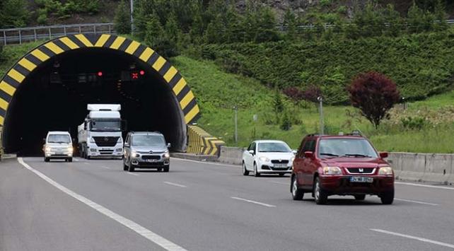 Türkiyenin geçiş güzergahında araç yoğunluğu arttı