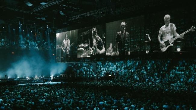 Efsane rock grubu U2 canlı performansıyla TRT 2'de