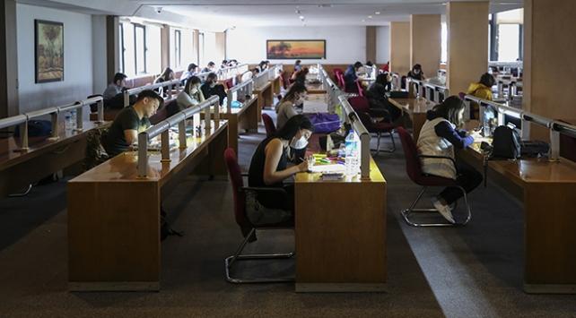 Milli Kütüphane kapılarını okuyucuya açtı