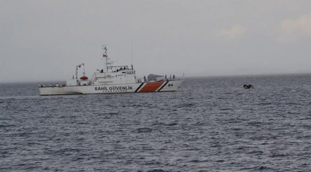 Yunanistanın Türk kara sularına geri ittiği 45 sığınmacı kurtarıldı
