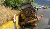 11 tonluk jeneratör tırdan yola düştü