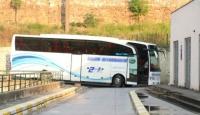 COVID-19 olduğunu öğrenen yolcu otobüsle hastaneye götürüldü