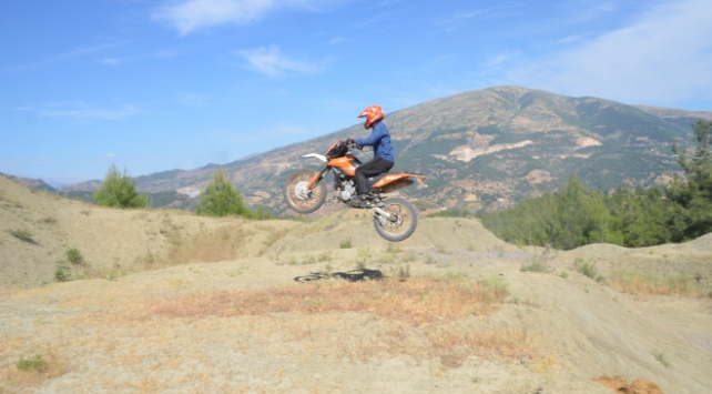 Motosiklet tutkunları doğada yeniden buluştu