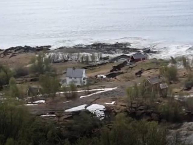 Norveçte toprak kayması kamerada