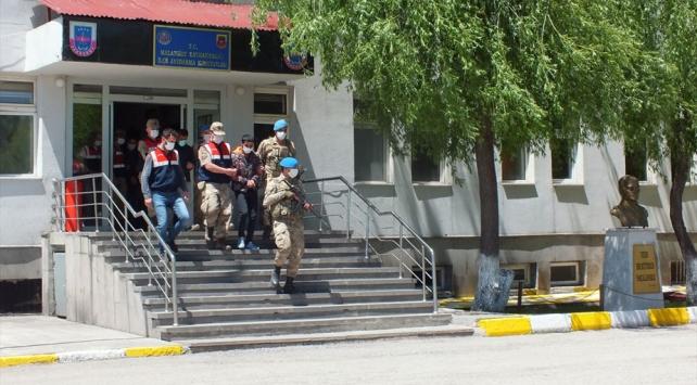 Sahte belgelerle devleti zarara uğratan 53 şüpheli yakalandı