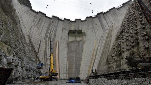 Yusufeli Barajında beton gövdenin yüzde 75i tamamlanıyor