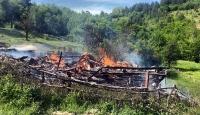 Karabük'te yangın: İki katlı ev kül oldu