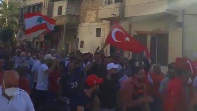 Lübnan'da Türkiye'ye hakaret eden Ermeni asıllı sunucu protesto edildi