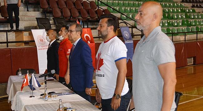 Osman Çakmak ve Bülent Uygun Denizlili antrenörlerle buluştu