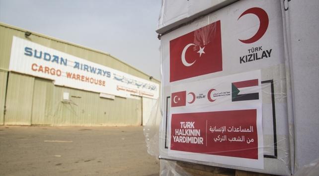 Türkiyeden gönderilen tıbbi yardım Sudana ulaştı