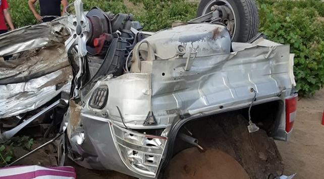 Köpeğe çarpmamak için şerit değiştirince kaza yaptı: 2 ölü, 3 yaralı