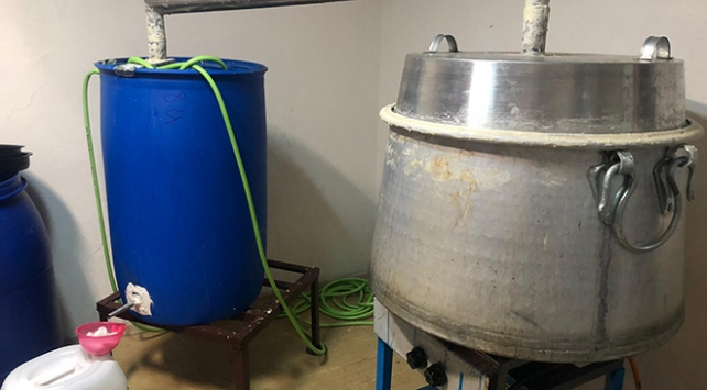 Adanada yaklaşık 4 ton sahte içki ele geçirildi