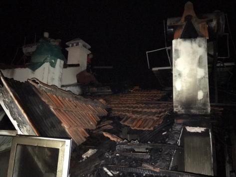 Muğlada bir apartmanda çıkan yangında iki daire kullanılamaz hale geldi