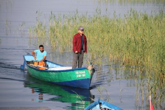 Beyşehir Gölünde balıkçılar yeni sezonu kurban kesip dua ederek açtı