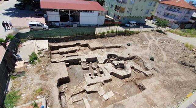 Bursada inşaat kazısı sırasında tarihi hamam bulundu