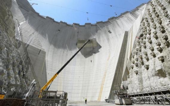 Yusufeli Barajı gövde yüksekliğinde 211 metreye ulaşıldı