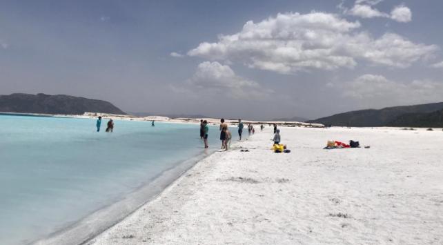 Türkiyenin Maldivleri olarak bilinen Salda Gölüne ziyaretçi akını