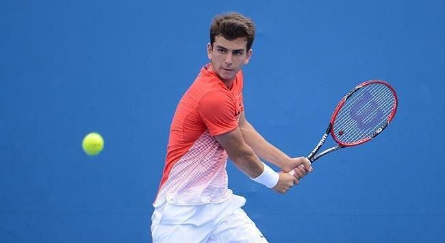 Milli tenisçi Ergi Kırkın galibiyetle başladı