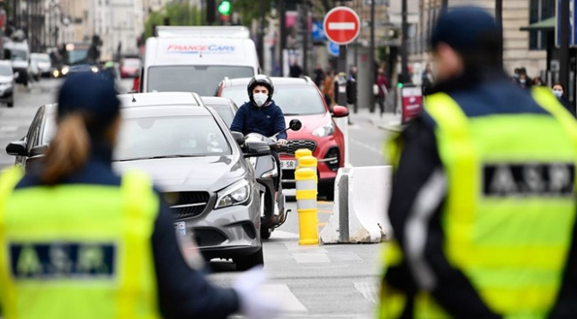 Fransada Covid-19 vaka sayısı 195 bini geçti