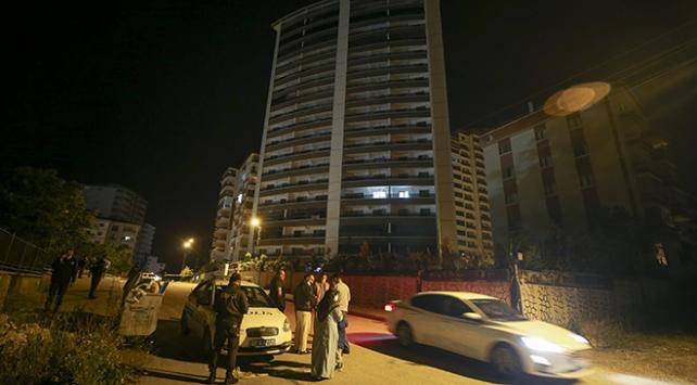 Ankarada zemininde çatlak oluşan 18 katlı bina boşaltıldı