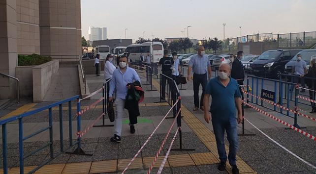 İstanbul Adalet Sarayında uzun kuyruklara karşı şeritli önlem