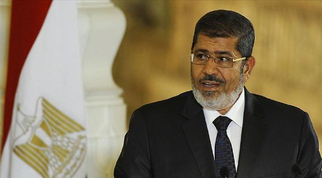 Mısırda ilklerin Cumhurbaşkanı Mursinin vefatının üzerinden bir yıl geçti