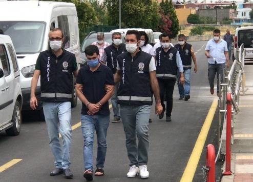 Adanada tartıştığı kişiyi bıçak ve silahla yaraladığı iddia edilen zanlı tutuklandı