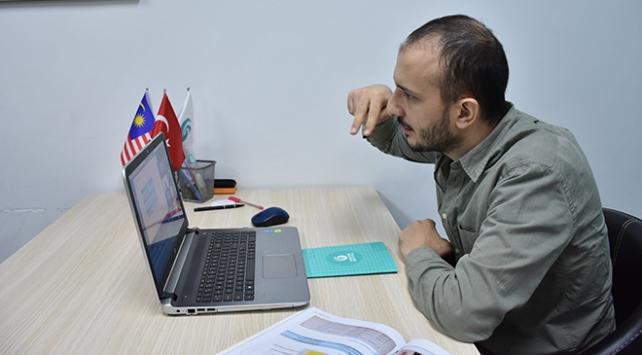 Koronavirüs, YEEnin Türkçe sevdalılarıyla buluşmasına engel olamadı