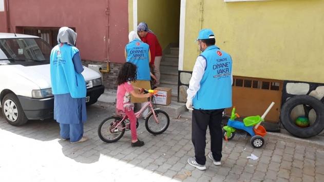 Kütahyada din görevlileri Kovid-19 sürecinde vatandaşların ihtiyaçlarını karşıladı