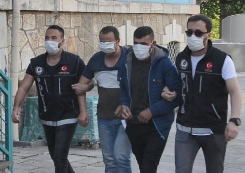 Kütahyada suçüstü yakalanan 4 uyuşturucu şüphelisinden ikisi tutuklandı