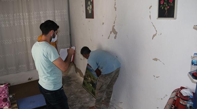 Şanlıurfadaki 4,1 büyüklüğündeki depremde bazı evlerde çatlaklar oluştu