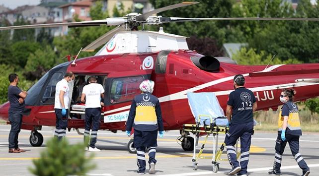 Ambulans helikopter kalp hastası kadın için havalandı