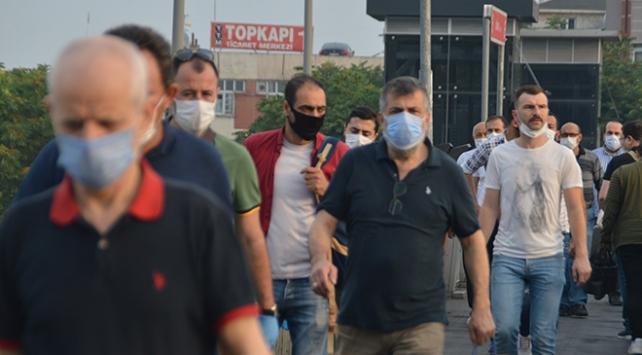 İstanbullular güne maske ile başladı
