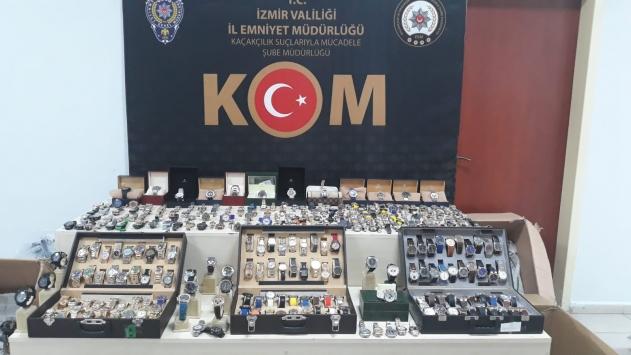 İzmirde kaçakçılık operasyonunda 2 şüpheli gözaltına alındı