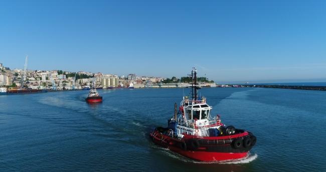 Fatih Sondaj Gemisinin Trabzon Limanına demir atması