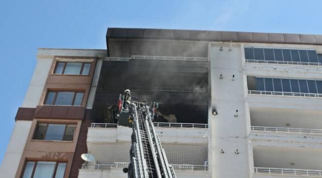 Yangında mahsur kalan 40 kişi kurtarıldı