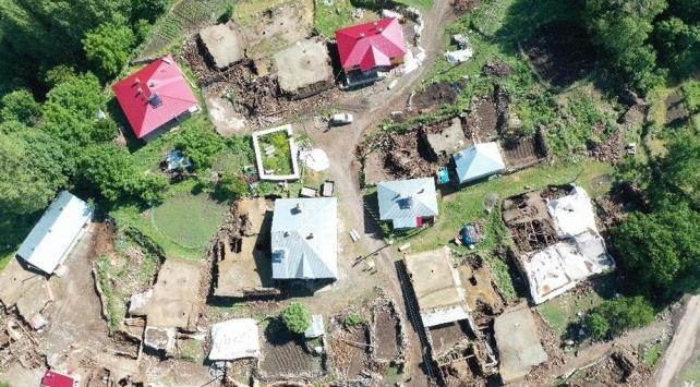 Bingölde 638 ağır ve yıkık bina tespit edildi