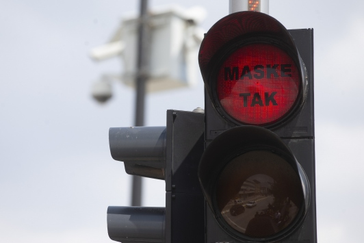 Edirnede trafik ışıklarıyla koronavirüse karşı maske tak çağrısı